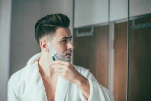 正しい髭剃りの方法